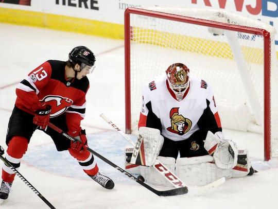Ottawa Senators goalie Mike Condon (1) blocks a shot