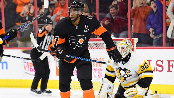 This was the extent of Wayne Simmonds' celebration on his 200th career goal.