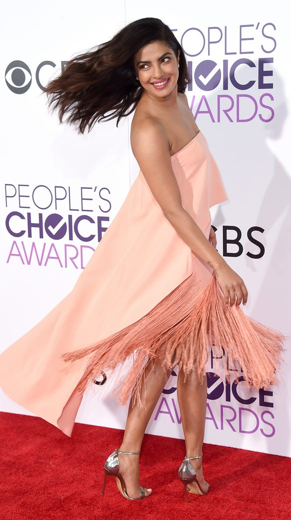 Priyanka's dress, in action.