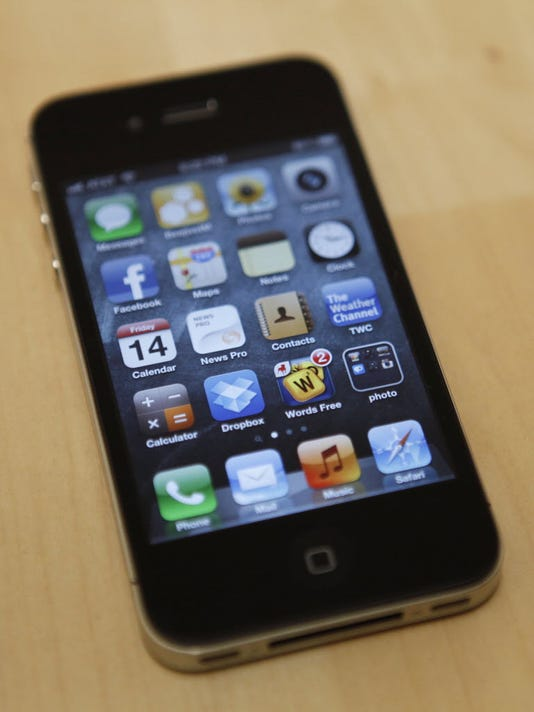 Apple sued for slowing iPhone 4S with iOS 9 upgrade