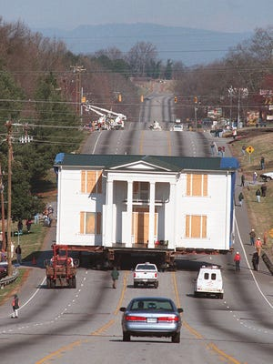 The Cherrydale Mansion is moved down Poinsett Highway to Furman University on March 7, 1999.