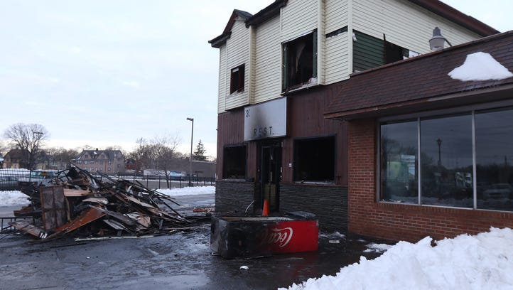 Fire heavily damages 3 Latinos Restaurant on West Ridge Road in Rochester