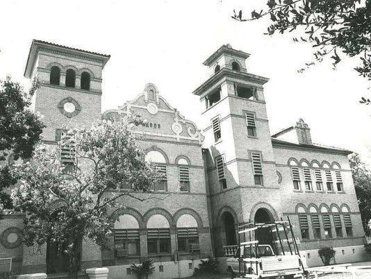 92472466-kingsville-city-hall