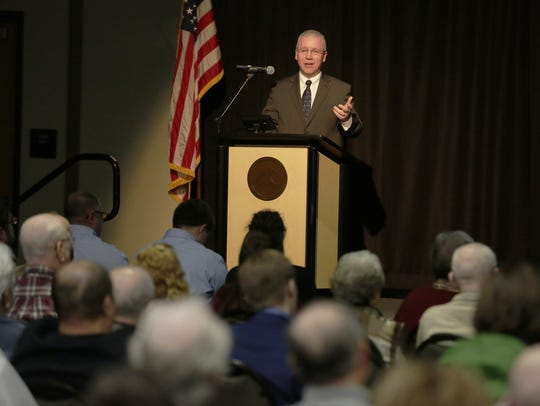 Oshkosh City Manager Mark Rohloff delivers his annual