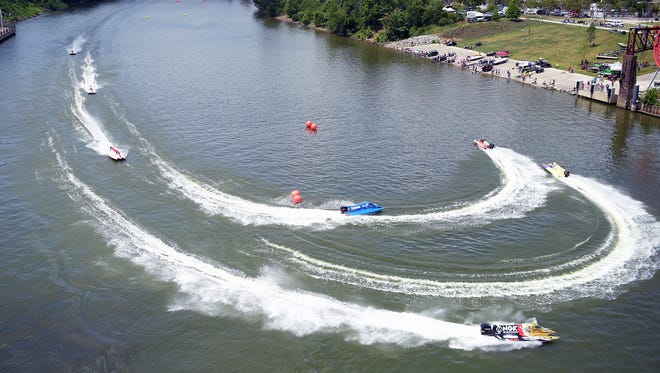 Powerboats race Saturday during the Toyota Thunder on the Cumberland F1 Series Powerboat event, which is a 3-mile loop on the Cumberland River near Riverfront Park.