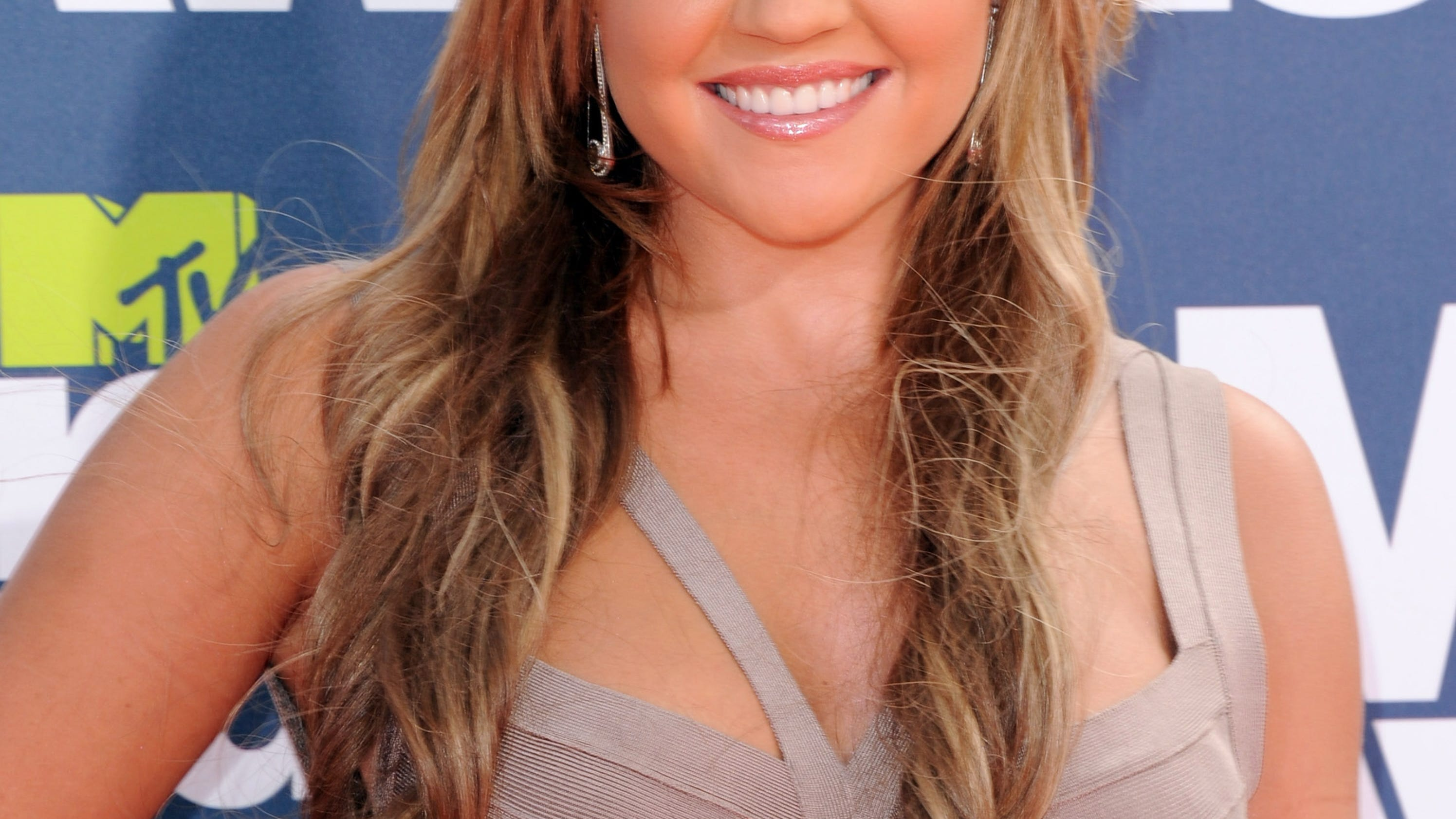 Amanda Bynes Says She Is Sober And Ready To Start Acting Again