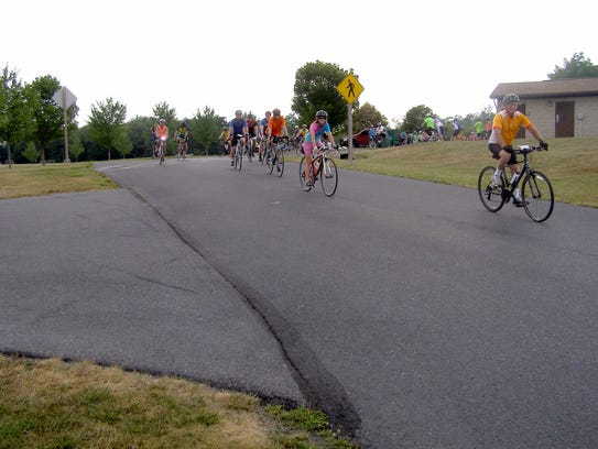 Franklin County Cyclists hit the road.