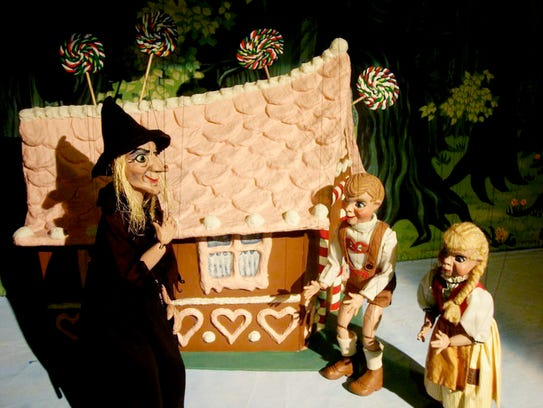 """""""Peeko Puppets"""" (Hansel and Gretel) from Wishing Chair"""