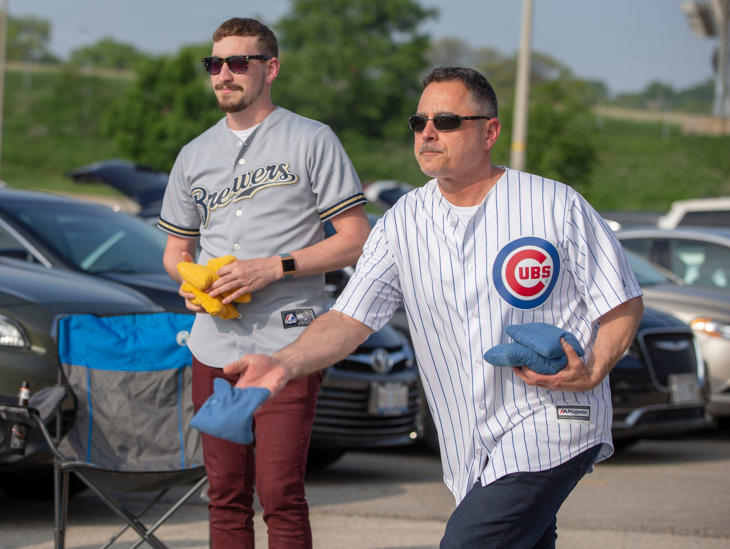 Mike Arrichiello of Milwaukee sports a Cubs jersey
