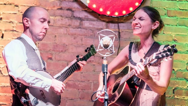 Ordinary Elephant husband and wife duo performs April 7 at sacred Grounds in Ruidoso.