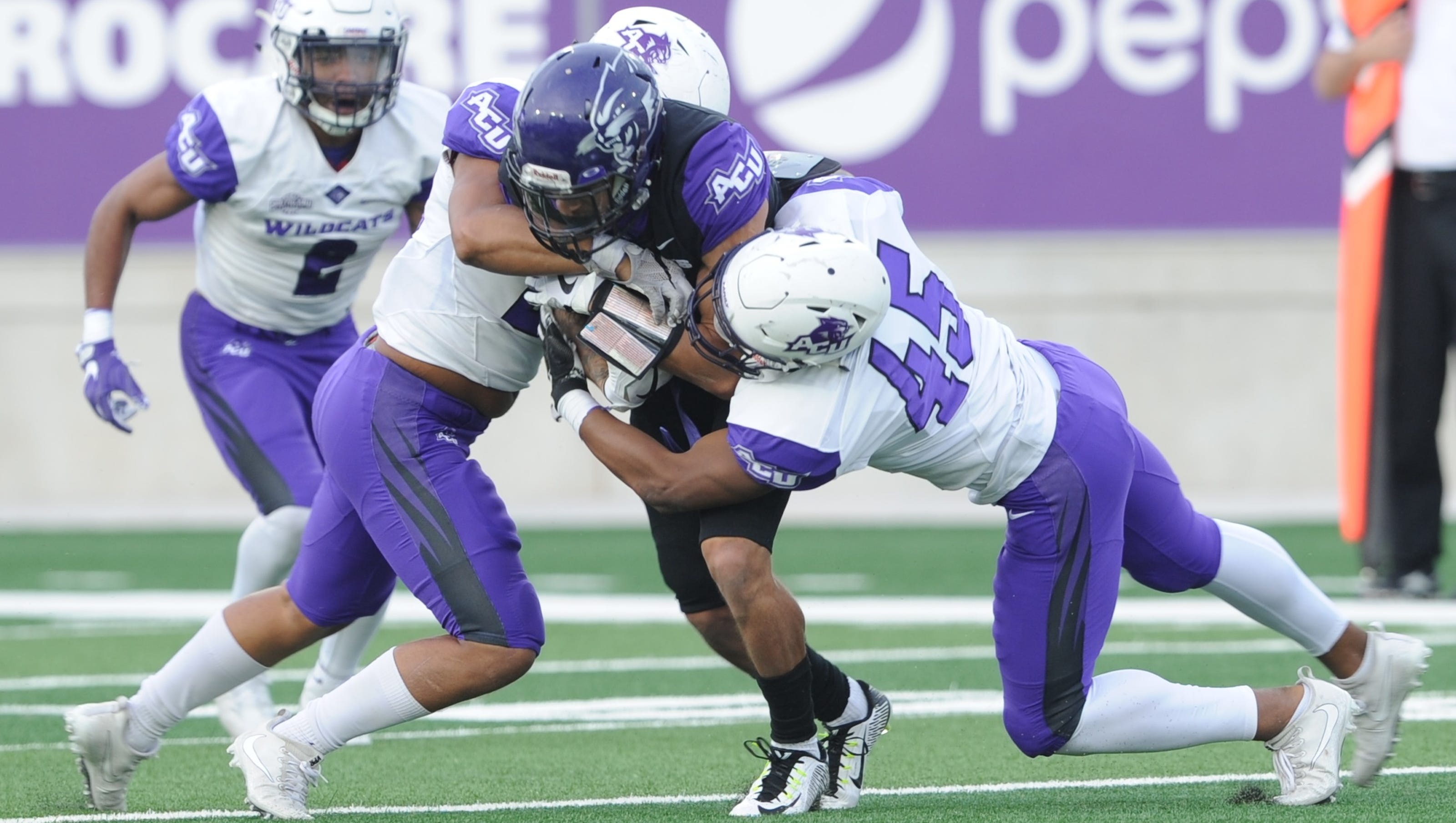 Acu Football Team Signs Eight Players Including Four Linemen