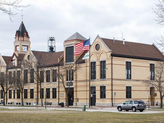The city of Oconomowoc Common Council has approved the use of medical and dental clinics in industrial zoning districts.