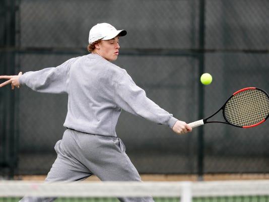 636633020243483436-APC-Boys-Tennis-East-vs-Neenah-0692-041218-wag.jpg
