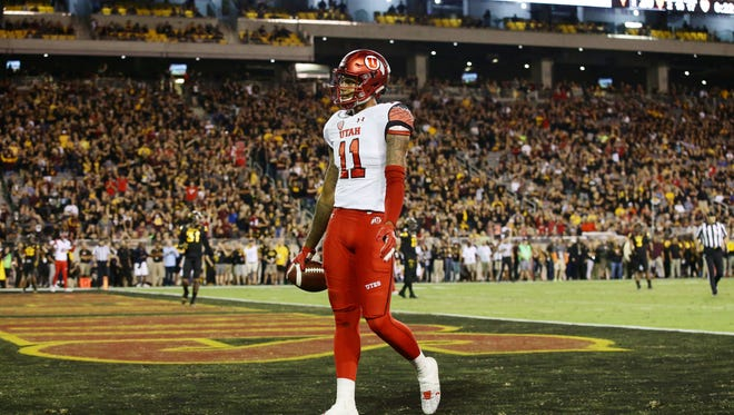 Utah wide receiver Raelon Singleton walks into the end zone for a touchdown against Arizona State late in the 2nd quarter during PAC-12 action on Thursday, Nov. 10, 2016 in Tempe, Ariz.