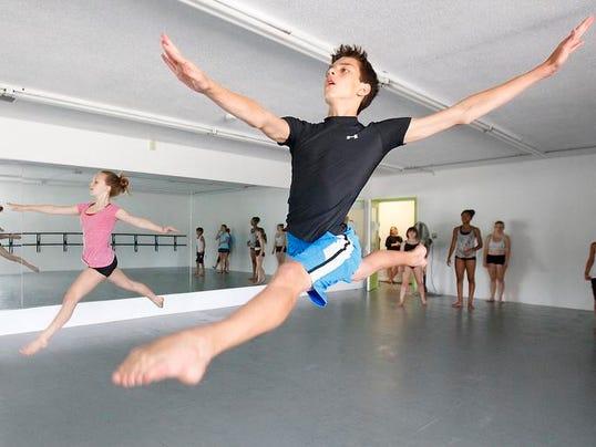 MNI 0807 YP Dance Studio07.JPG