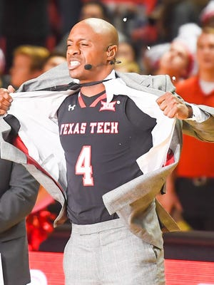Jay Williams reveals his prediction by during ESPN's College Game Day prior to the game between the Texas Tech Red Raiders and the Kansas Jayhawks.