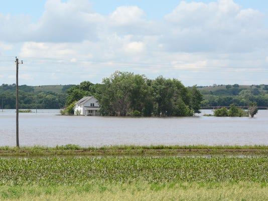 Upper Midwest Floodin_Kumm (2).jpg