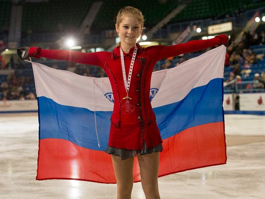 2013-10-26-julia-lipnitskaia-russia-skating