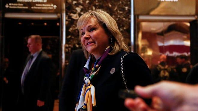 La gobernadora de Oklahoma, la conservadora Mary Fallin, tras su encuentro con el presidente electo Donald Trump en la Trump Tower de Nueva York, Estados Unidos, 21 de noviembre de 2016.