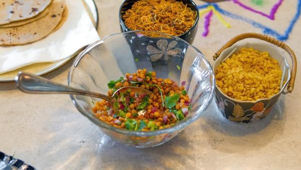 Crunchy fried chana dal is a good snack to eat while watching a football game.
