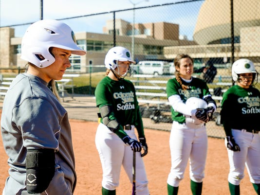 -FTC0221-sp csu softball 09.JPG_20140320.jpg