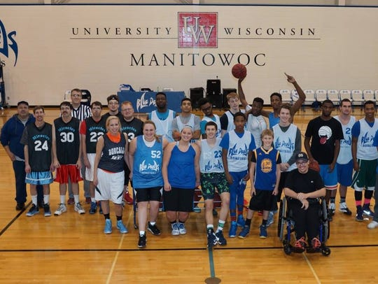 Members of the UW-Manitowoc Blue Devil basketball teams