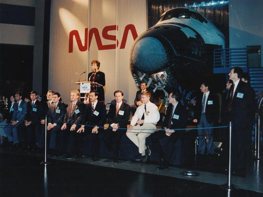 Carolyn Huntoon introduces the Shuttle astronauts at a ceremony at the Johnson Space Center in Houston in 1994.
