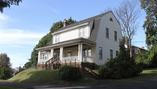 The former Sing Sing superintendent's house, that is up for auction  in Ossining. ( Frank Becerra Jr / The Journal News )