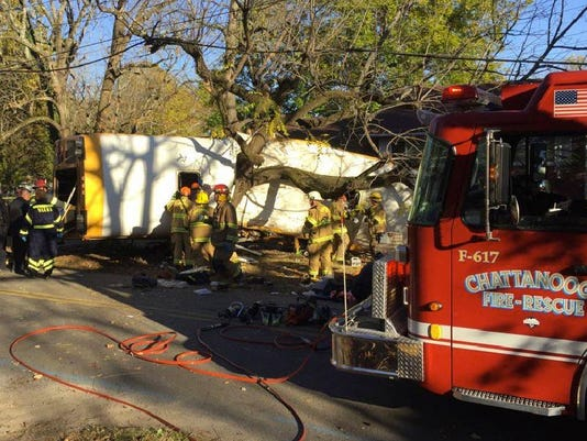 636154834269883888-APTOPIX-Chattanooga-Bus-Crash.JPEG-0ca98.JPG