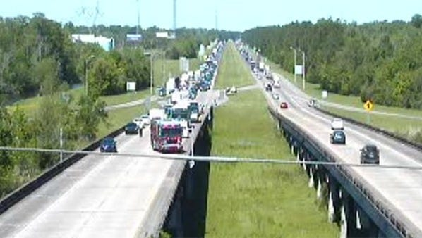 24 students from Lee High School in East Baton Rouge Parish were taken to hospitals with minor injuries after a crash on I-10 East near LaPlace,