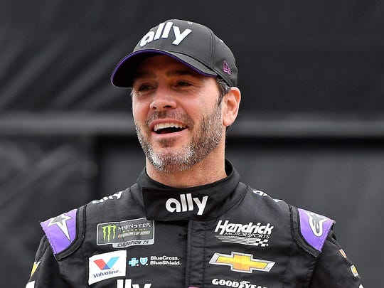 Jimmie Johnson will try to capture his record-breaking eighth NASCAR championship in 2019 while preparing to run the Boston Marathon.