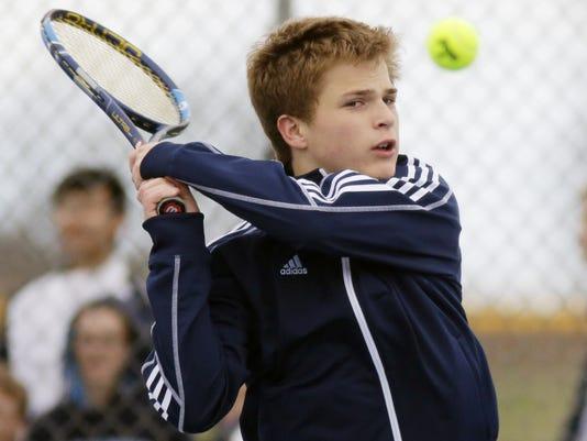 636317690969920920-she-n-Kohler-at-Howards-Grove-Tennis-0502-gck-09.JPG