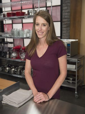 Competitor Samantha Brown, as seen on Food Network's Worst Bakers In America, Season 1.