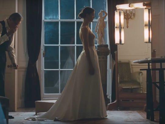 "Daniel Day-Lewis is a high-end dressmaker in ""Phantom"