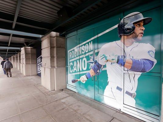 Mariners_Mets_Trade_Baseball_11766.jpg