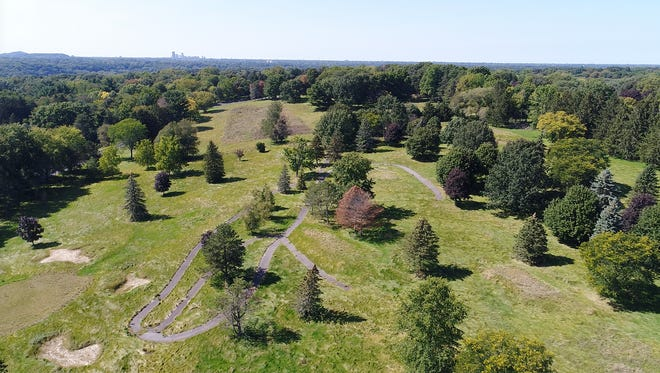 Penfield town zoning allows for single-family homes on half-acre lots to be built on 214-acre Shadow Pines golf course.