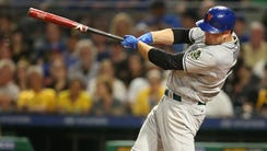 New York Mets first baseman Lucas Duda (21) hits a