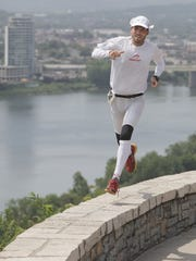 -5 questions crazy runner Harvey 1.jpg_20120705.jpg