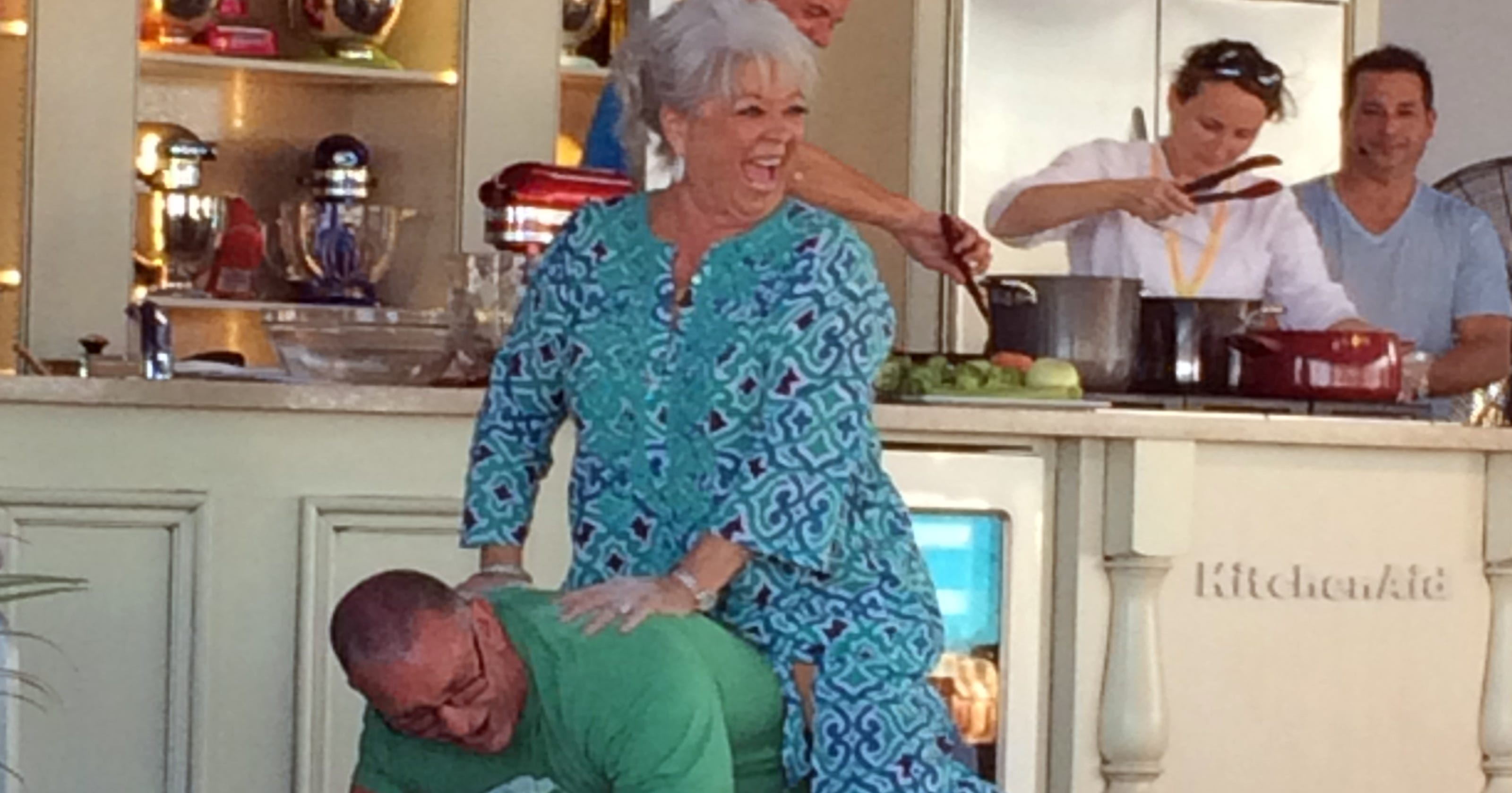 Paula Deen says she\'s \'back in the saddle\'