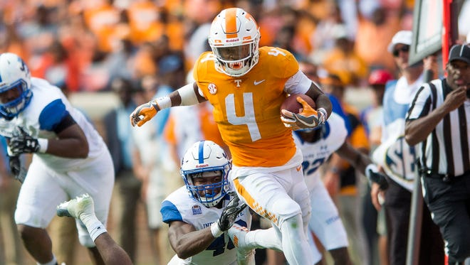 Vols running back John Kelly (4) runs down field Sept. 9, 2017, during Tennessee's game against Indiana State.