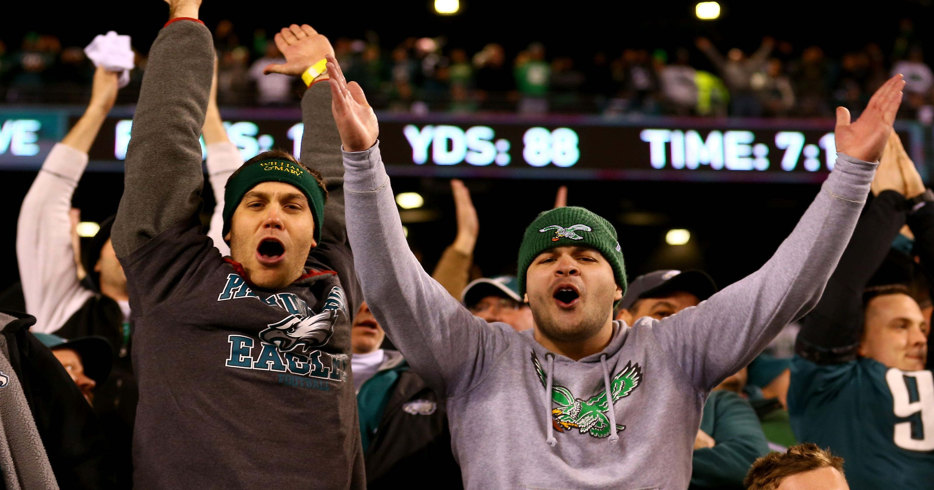 73df369b498 Eagles fans apologize for bad behavior by donating to Vikings charity