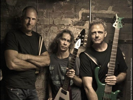 Tim Reynolds and TR3 will perform Friday at the Center
