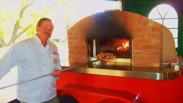 Jon Turner and his Parlo Pizza will be at the Beaverdale Farmers Market again this year.