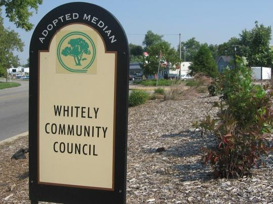 Whitely sign.JPG_20070920