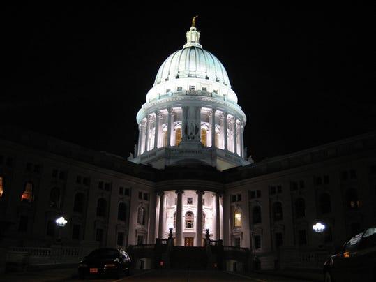AAPBrd_02-16-2014_Reporter_1_A004~~2014~02~15~IMG_Wisconsin_Capitol_ho_1_1_6.JPG