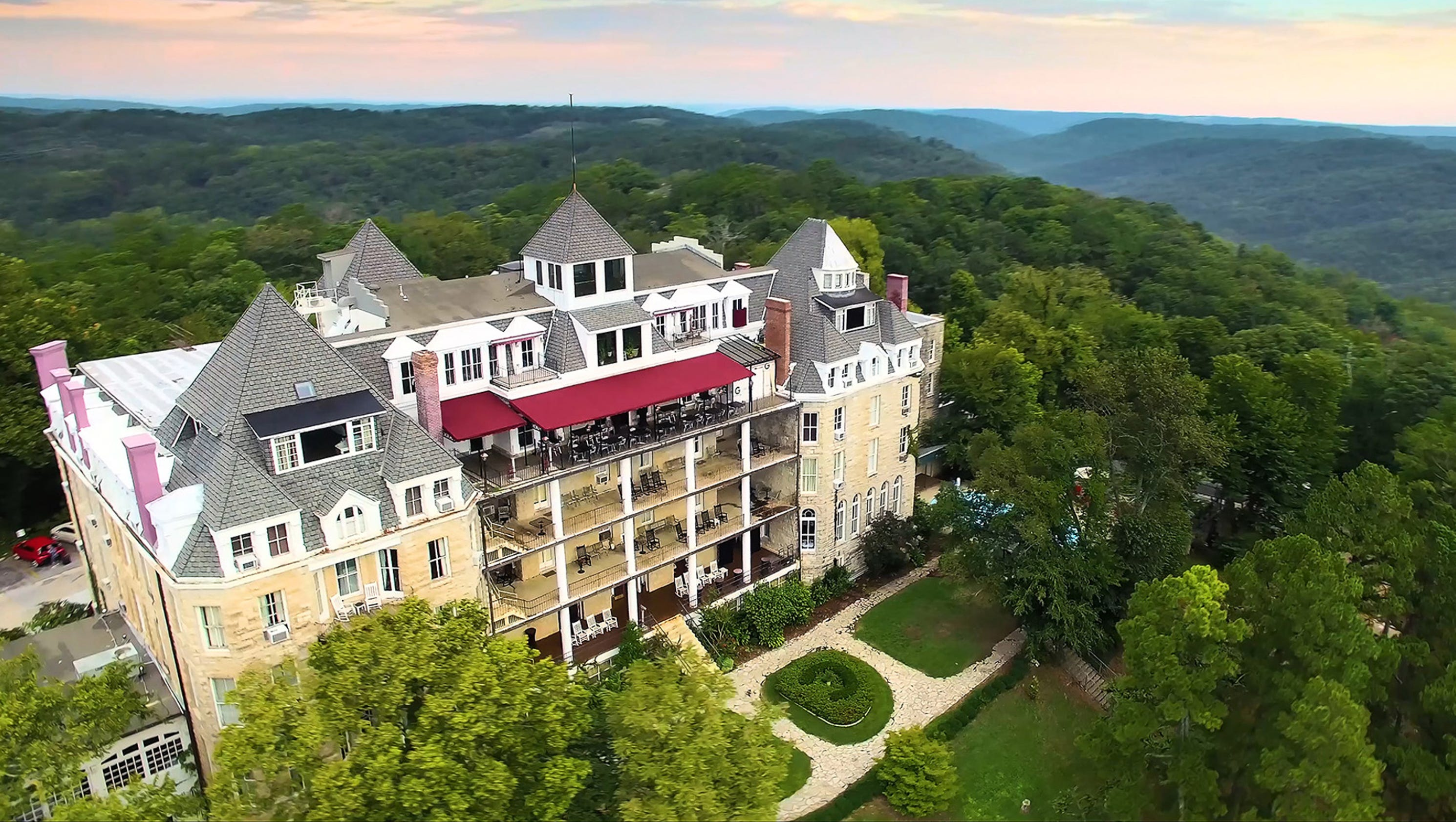 stay at a haunted hotel around the usa