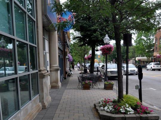 mto sidewalk dining 2.jpg