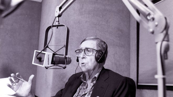 """WHAS radio's Milton Metz signed off his show after 34 years last night. He'll be doing a 90-second commentary that will air twice a day. but it can't quite compare to three hours a night of """"Metz Here."""""""