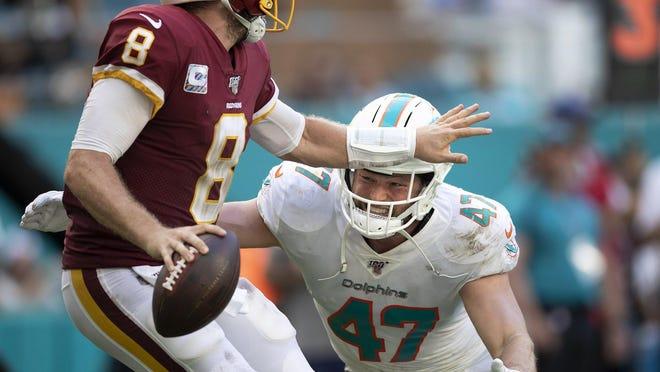 Dolphins linebacker Vince Biegel pressures Washington quarterback Case Keenum into an incompletion last season.