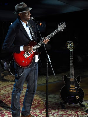 """Keb' Mo' performs """"How Blue Can You Get"""" alongside the late B.B. King's guitar Lucille during the Americana Music Honors and Awards at the Ryman Auditorium on Wednesday, Sept. 16, 2015."""